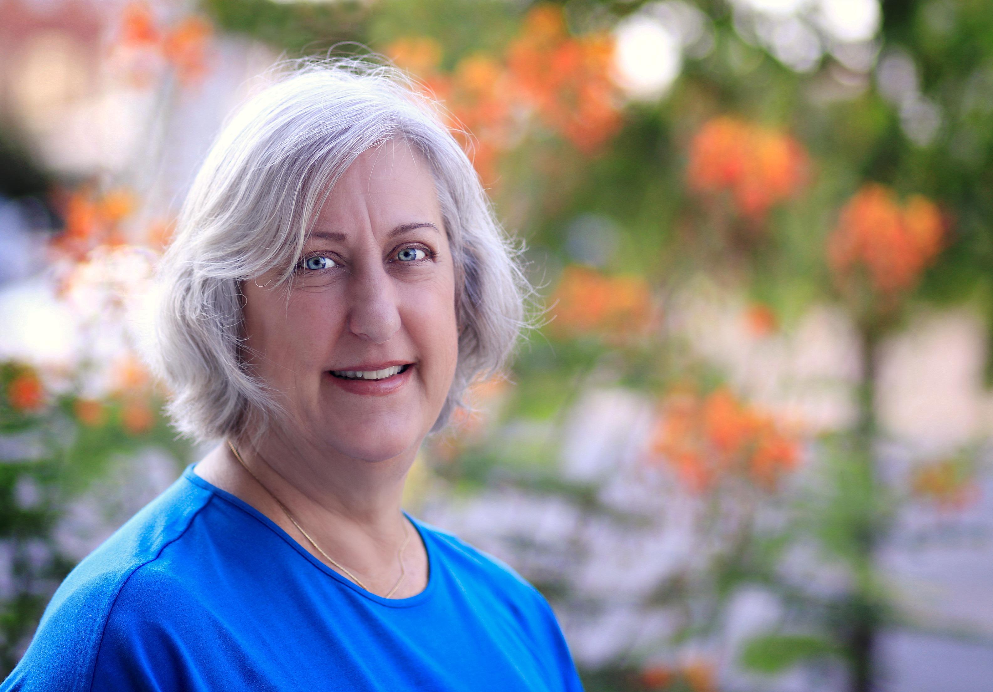 Biography of Carolyn Thompson - Enigmatic Healing